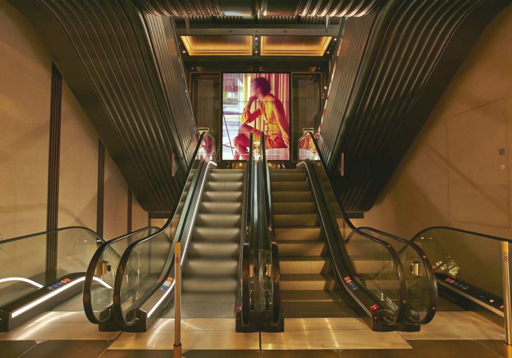 Harrods escalator UK